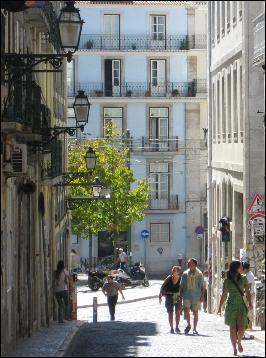 Alternative Bairro Alto shops