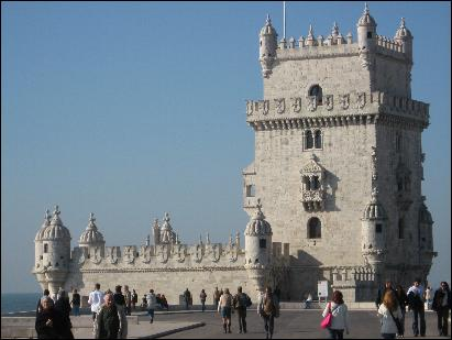 ITINERARIES - Walking by Belem Tower