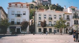 Leiria square with views to the castle