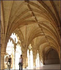 A visit to Jeronimos Monastery's cloisters
